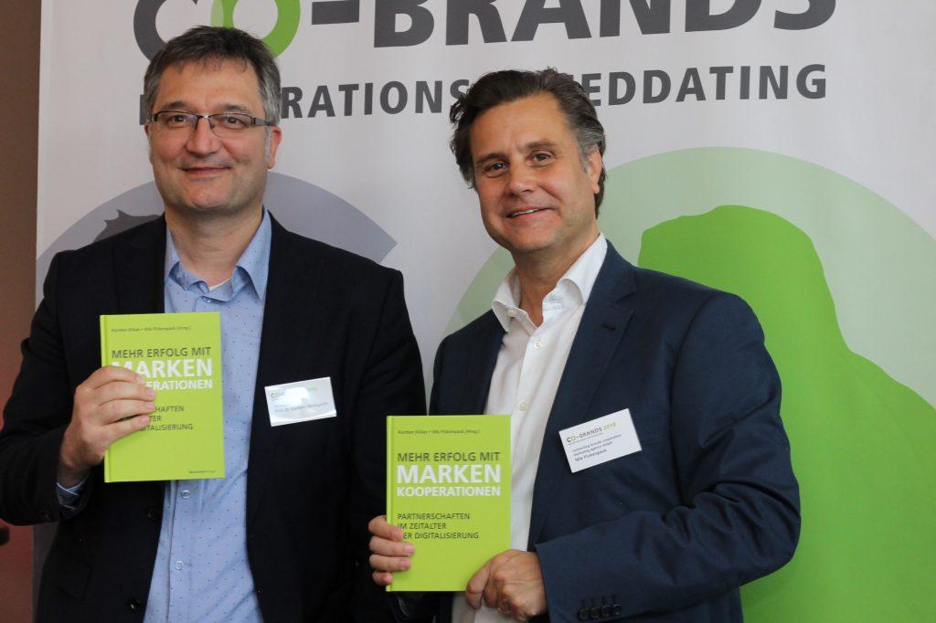Keynote Speaker Prof. Baumgarth (l.) mit Veranstalter Nils Pickenpack (r.)